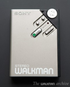 sony_wm-ii_silver_02