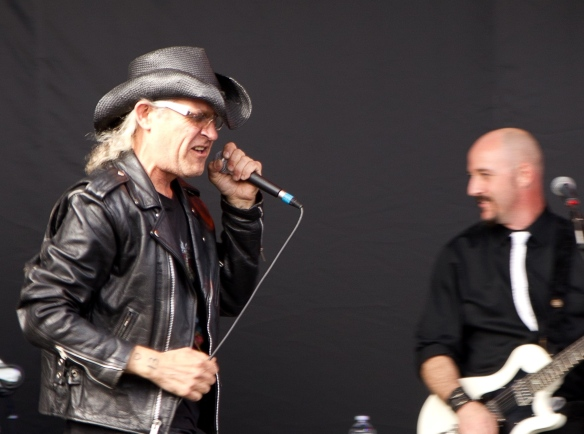 2011 men without hats.jpg