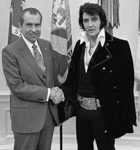 Nixon_Elvis_December_21_1970_Meeting_Cropped
