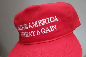 hk_fans_item_the_red_cap_hat_cotton_white_words_make_america_great_again_label_made_in_usa_cf_headwear_april_2017_ix1_04